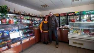 Janis y su mujer en su tienda