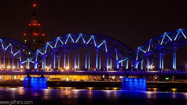 Puente sobre el Daugava en Riga