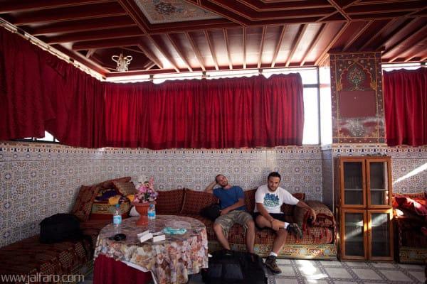 Terraza cubierta del Hotel Central Palace de Marrakech